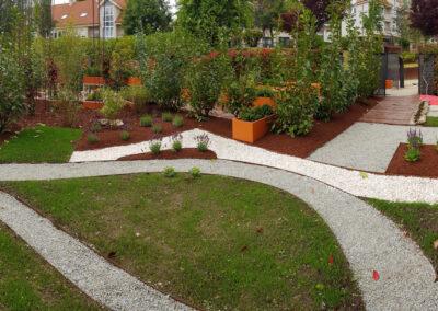 Edición 2019 Parcela 1Barefoot in the garden