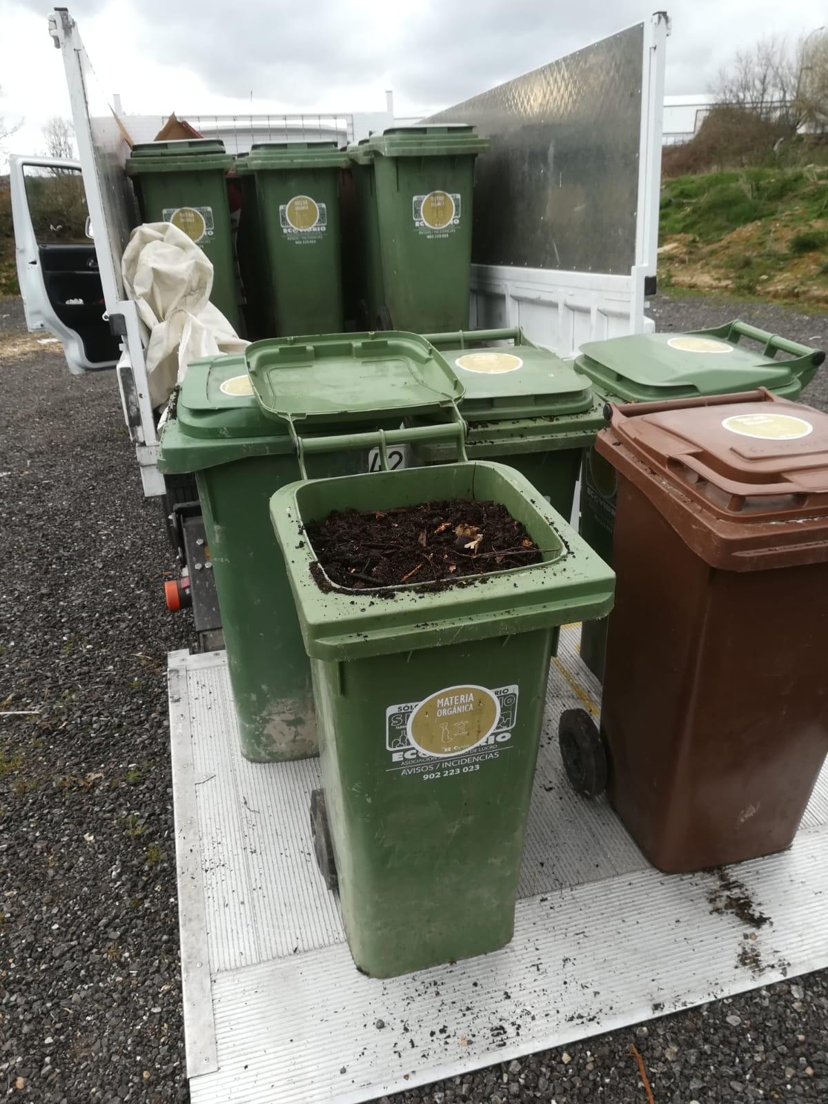 O Programa RE reparte 5.000 litros de compost xerado nas illas de compostaxe comunitaria.