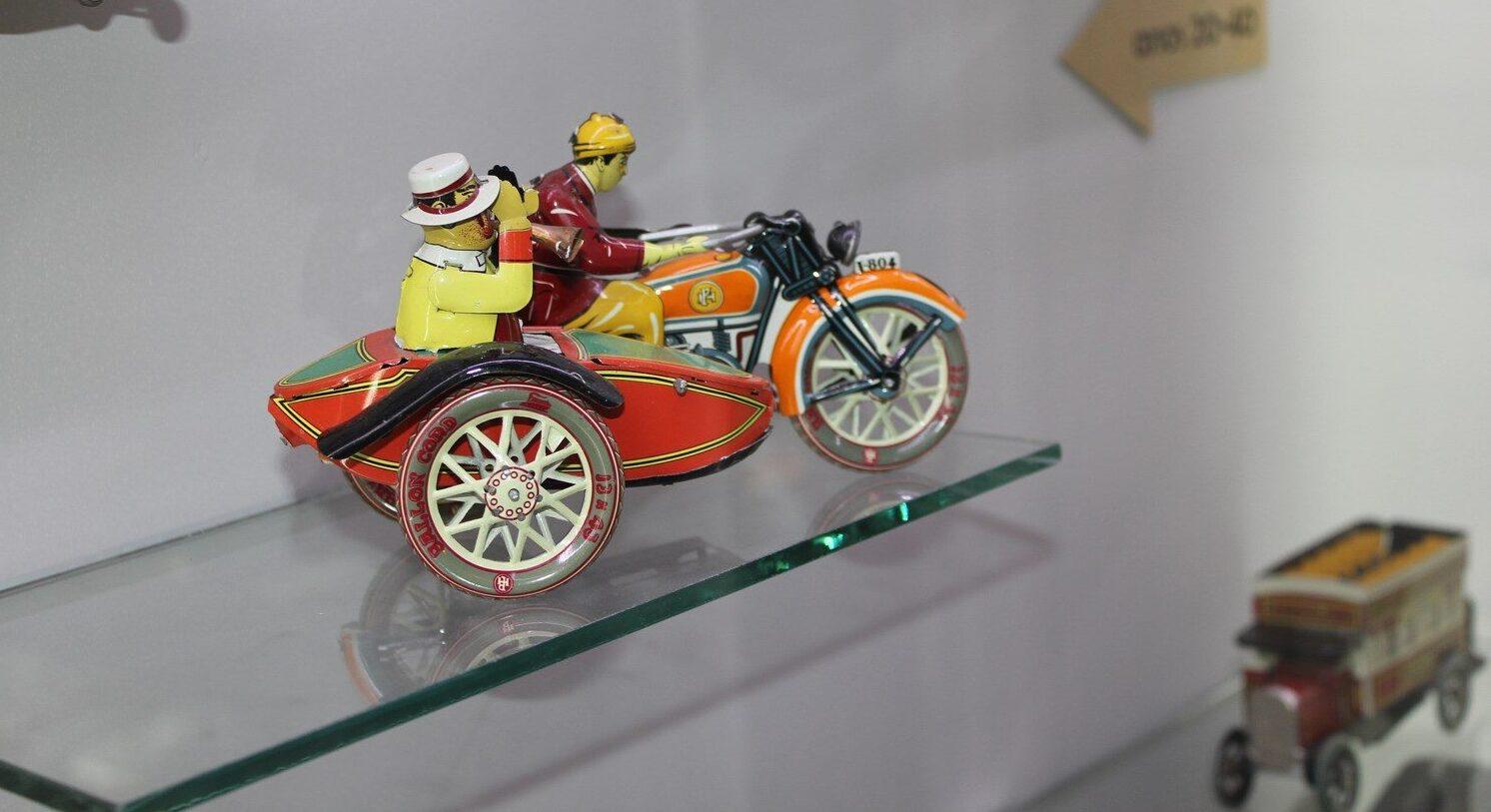O Museo Galego do Xoguete recibe unha nova colección de bonecos e xoguetes